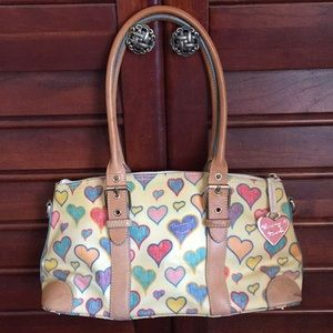Dooney & Bourke hearts hand bag ❤️🧡💛💙💙🖤💜